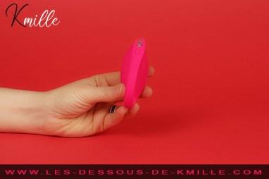 Kmille teste l'oeuf vibrant connecté We-Vibe Jive Rose.