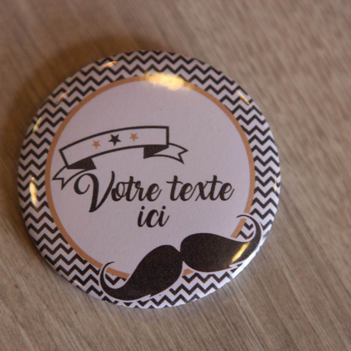 Badge Personnalisable Moustache Baptme