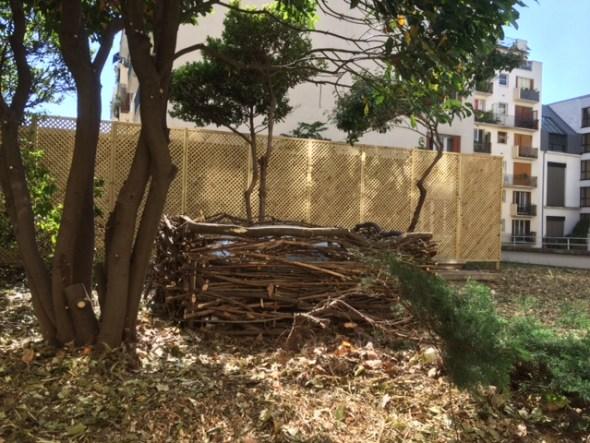 les jardiniers à vélo paris ile de france aménagement entretien terrasse jardin pyrénées plessis plessage treillage branche bois tige déchet vert
