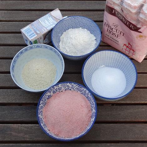 ingrédients recette complète pour croquants aux biscuits roses de Reims