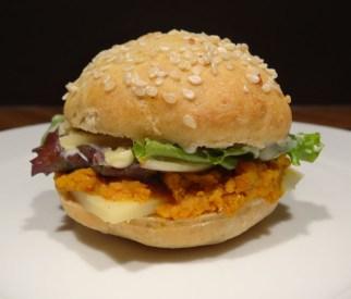 mini burger végétarien aux légumes d'automne