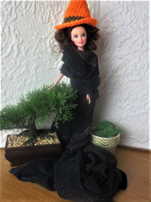 le chapeau de sorcière de Barbie