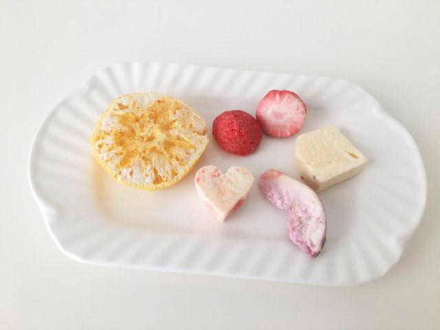 奈良県明日香村のフリーズドライしたみかん、いちじく、柿、苺の乾燥果物,Asuka Mix,