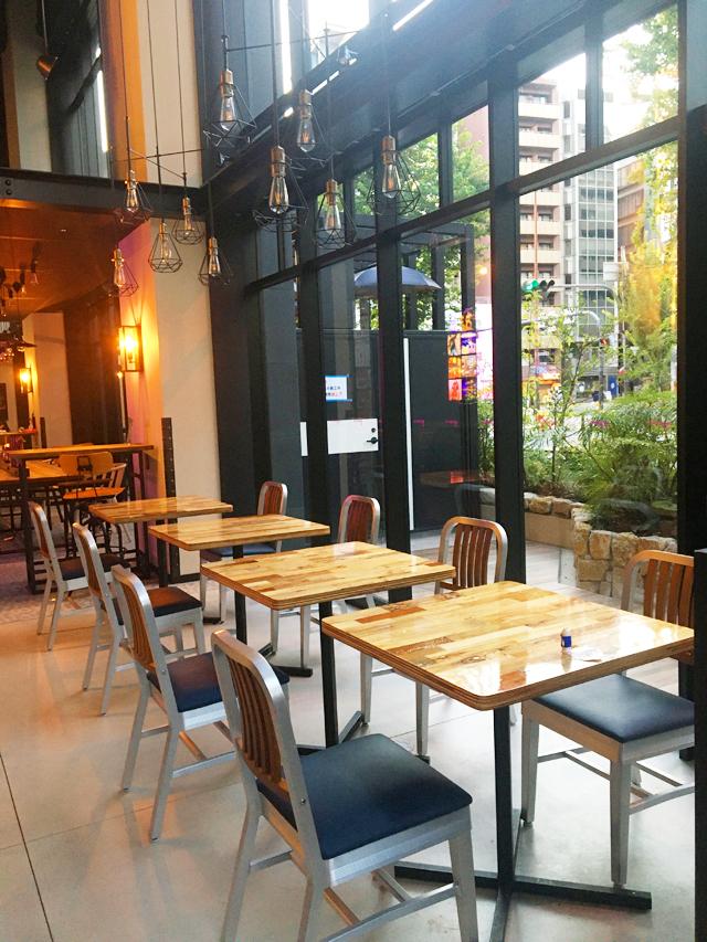 モクシー大阪新梅田,レストラン,カフェ,ロビーラウンジ,テーブル席,モクシーカフェ&バー,バー モクシー,Bar Moxy,Moxy Osaka Shin Umeda,