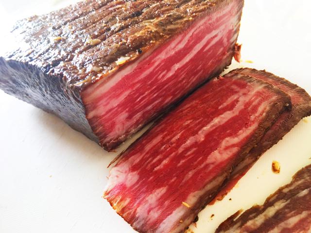 ローストビーフをカットしている様子,roast beef,