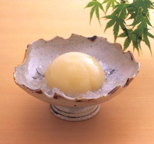 宗家 源 吉兆庵,和のお皿に入った清水白桃ぜりぃ,母の日,2020,