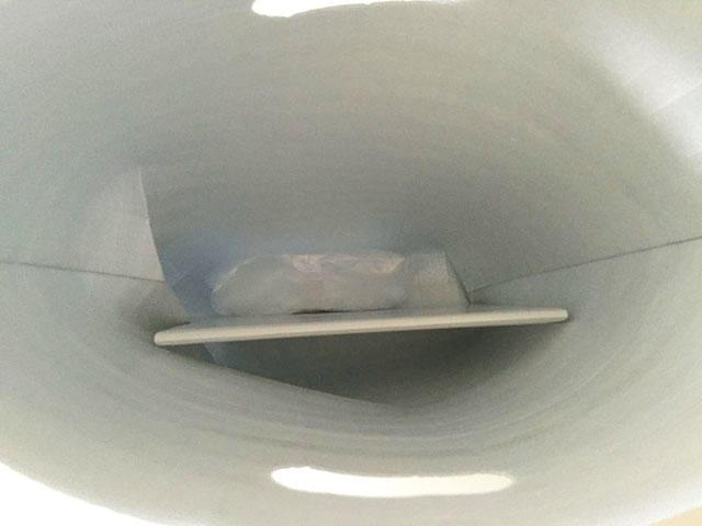 バトンドールクール,アルミ製の保冷用の袋の中に保冷剤が入っている