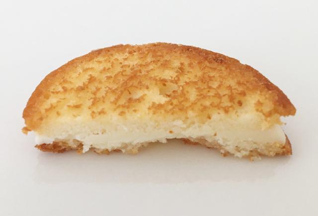 ケイクテイルのパンケーキクッキー メイプルのカットした断面,CAKE TALE,