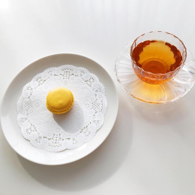 ダロワイヨの瀬戸内レモンのマカロンと紅茶,