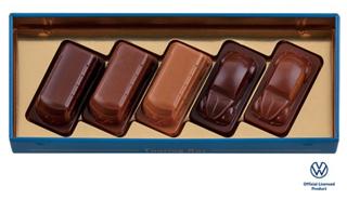 ビートル,ツーリングバス(ブルー)の中身,フォルクスワーゲンTYPE2(バス)型の、3種のチョコレートが5個入ったアソート,バレンタイン,2021,チョコレート,Beetle,Valentine,chocolate,