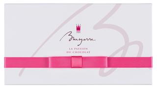 ブリュイエール,ブリュイエール セレクション 8の箱,白い箱にピンクのリボン,箱寸=9.9×18.0×3.3cm,バレンタイン,2021,チョコレート,BRUYERRE,Valentine,chocolate,