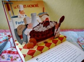 Le Saint-Honoré   サント・ノレ 立体のサントノレと、まつわるお話が。