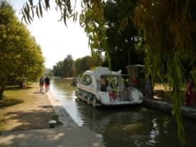 un bateau direction Toulouse