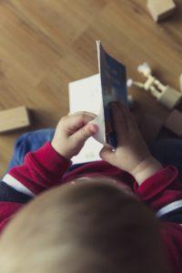 lire des histoires à bébé