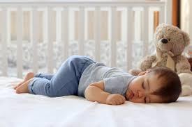oignon sous lit bebe remede