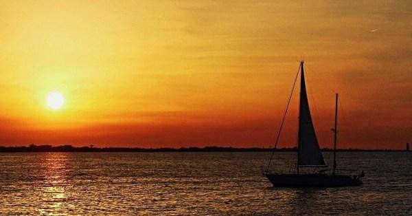 coucher de soleil sur locéan