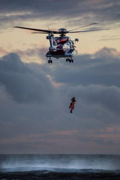 hélicoptère de sauvetage en mer