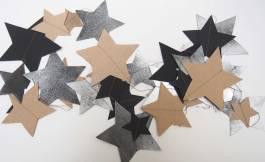fil d'étoiles de tailles et couleurs différentes