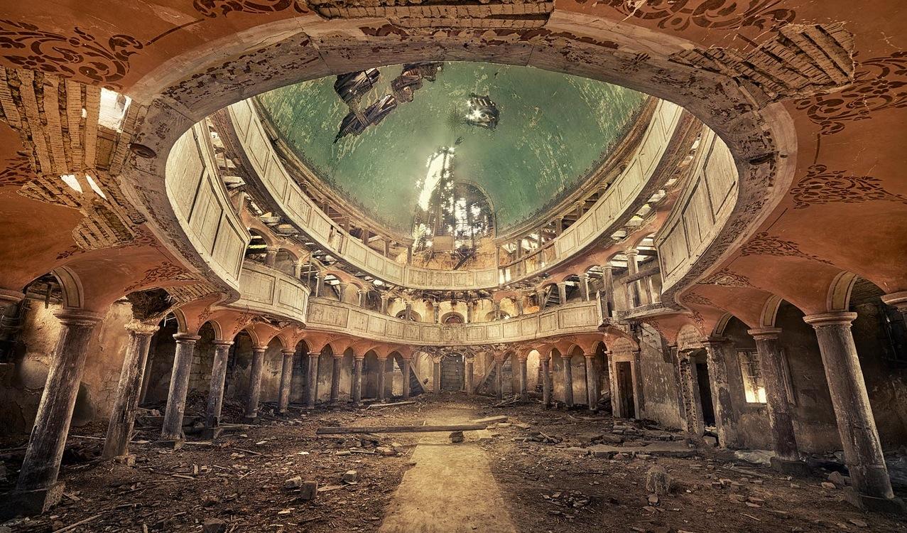 Lost Places by Sven Fennema  Les critures brves