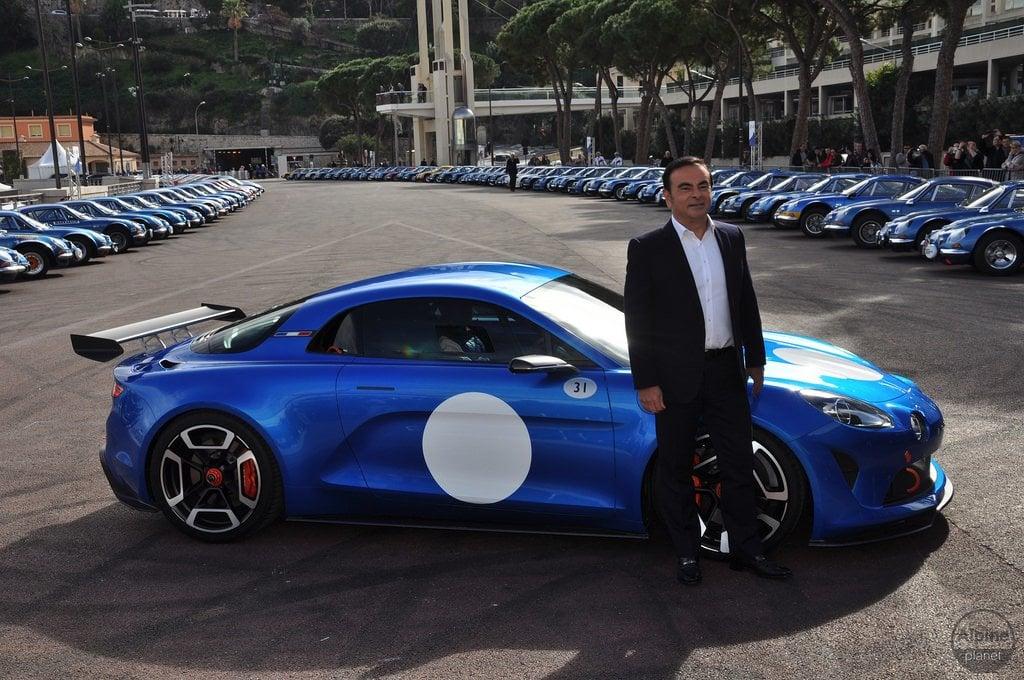 Arrivée de Carlos Ghosn à Monaco Alpine 2 | Le 16 Février 2016 : le retour d'Alpine avec l'Alpine Vision !