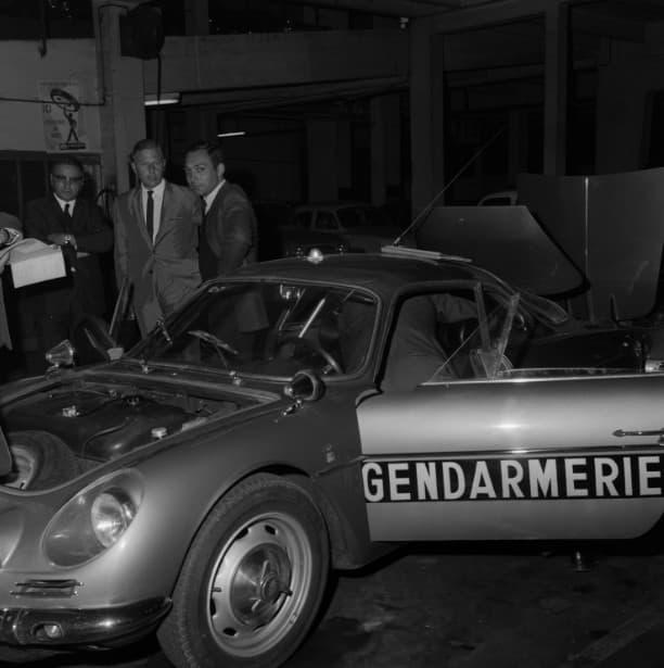 Alpine A110 Berlinette BRI Gendarmerie 8 | BRI : Alpine, au sein d'une unité d'élite