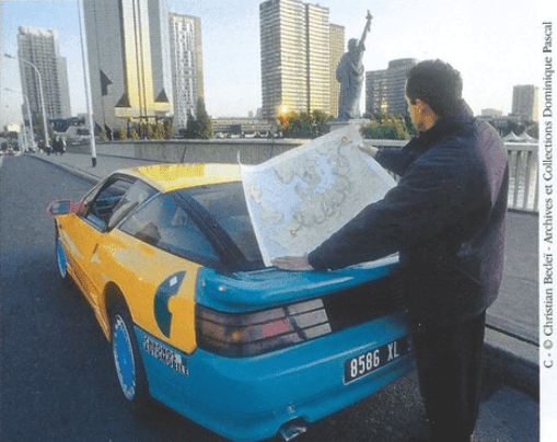 Départ Raid Liberté 2 | Le Raid Liberté : 8 000 km en Alpine A610 de Paris à Saint Pétersbourg
