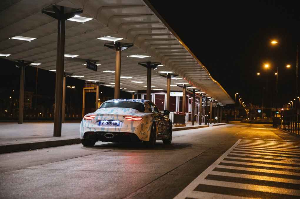 Alpine AS110 A110 Viree nocturne showroom 7 fevrier 2017 Team (10)