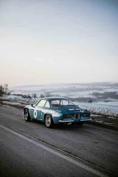 Alpine LAB et son Alpine A110 1300S Usine de 1968 Classic Driver - 9
