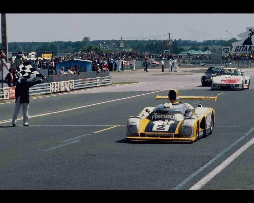 24 Heures du Mans 1978 pironi jabouille depailler jaussaud bell ragnotti frequelin a443 a442b a442a a442 victoire 36 | PassionnéMans Alpine ! (3ème Partie)