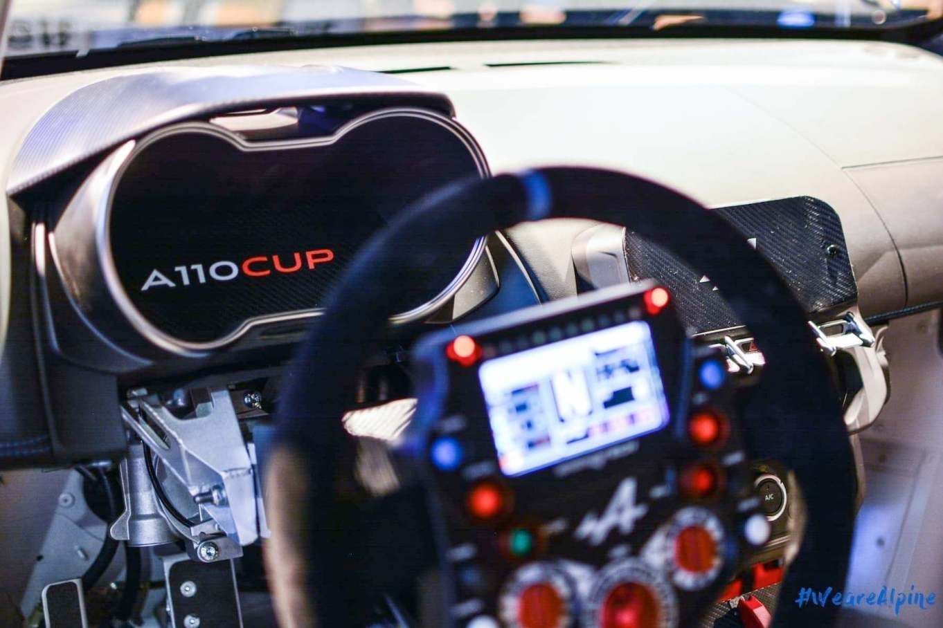 Alpine A110 Cup Signatech Studio Boulogne Billancourt GPE Auto 25 - L'Alpine A110 Cup en détail sous l'oeil de GPE Auto !