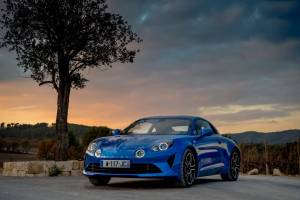La nouvelle Alpine A110 reçoit Cinq Etoiles lors des Autocar Awards 2018