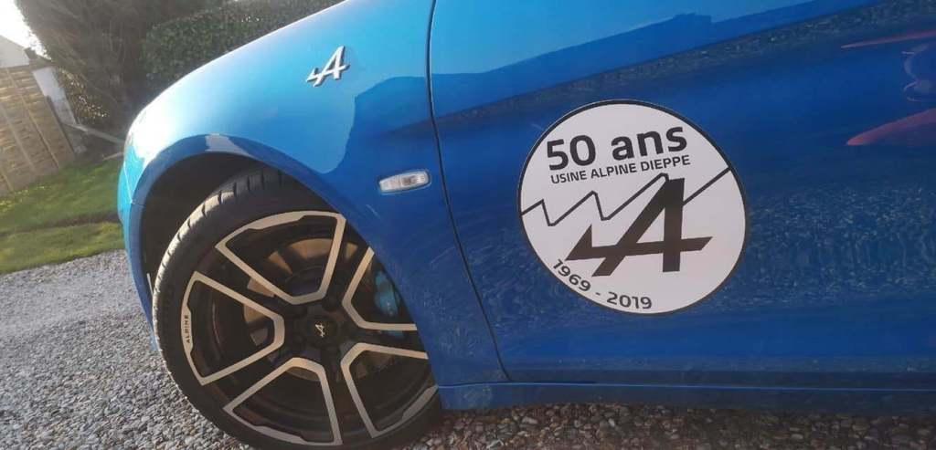 Usine Alpine: deux A110 pour célébrer les 50 ans 1