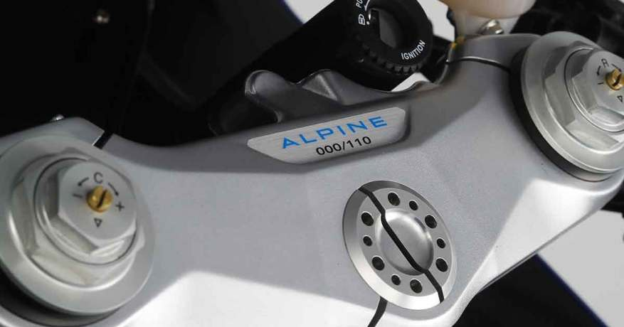 45444C0F 97DC 4E18 A454 E559FD086A74 | MV Agusta Superveloce Alpine 2020 : le mariage Franco-Italien !