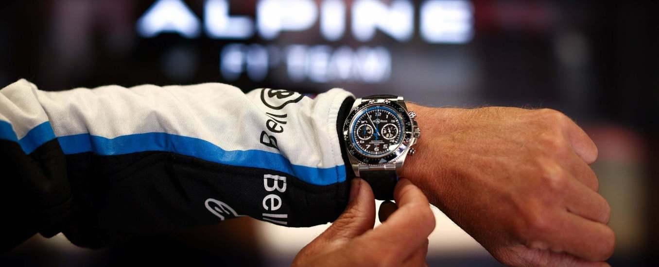 BRV394 A521 slider 2560x1040 1 | Bell & Ross devient le nouveau partenaire horloger officiel d'Alpine 2021