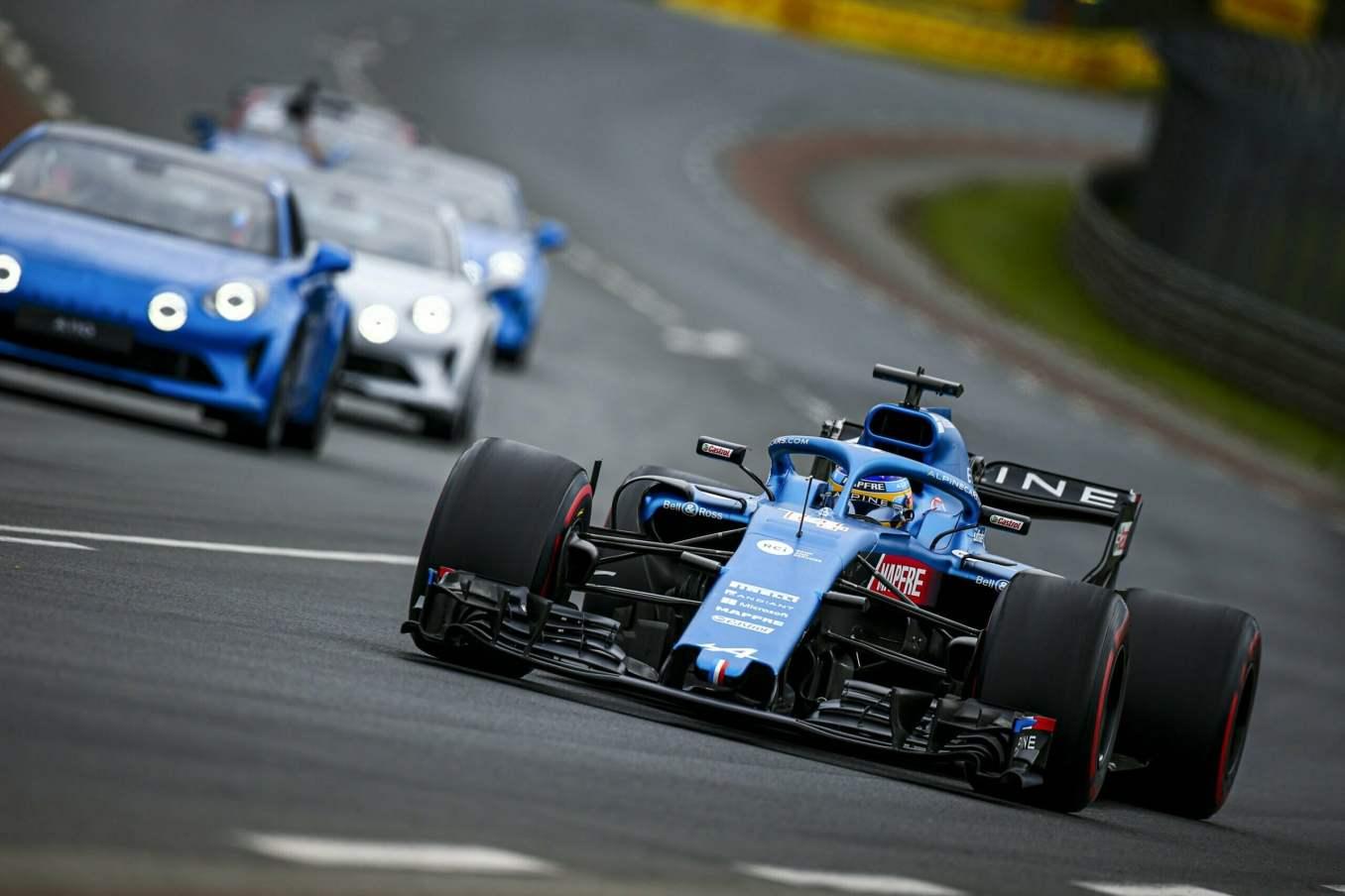 Une F1 aux 24h du Mans et une parade impregnee de passion 4 scaled | Les 24h du mans d'Alpine Endurance Team en photos