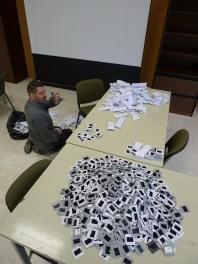 Le pilon à l'étude, avec Gregory Delauré, 9 mai 2016. Cliché Macula Nigra.