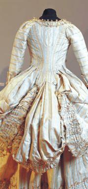 Robe à la Polonaise (after 1772), Musée du Vieux-Marsailles (Back view)