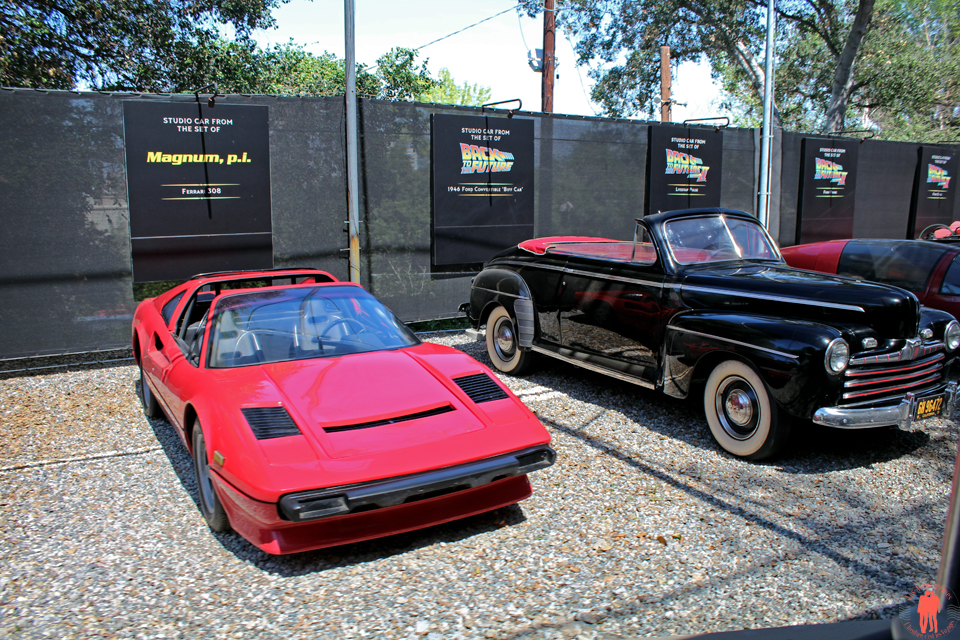 Universal Studio Los Angeles - Magnum car and Back to the futur car
