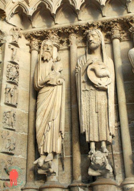 Visiter Reims - Statue Cathédrale Reims