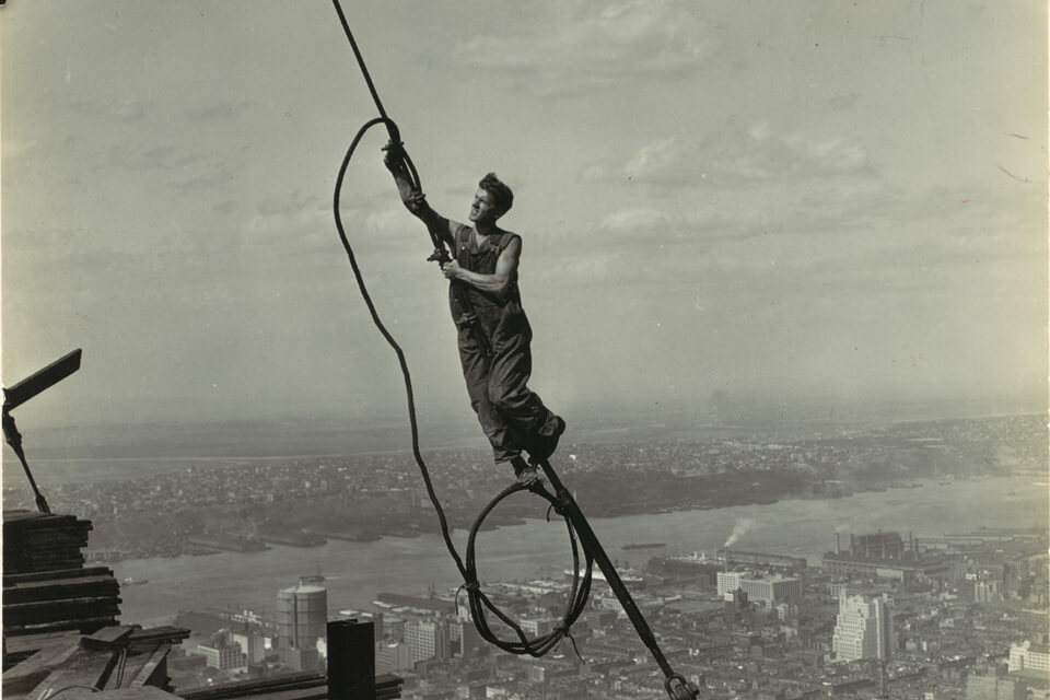 Icarus-Photo-noir-et-blanc-empire-state-building