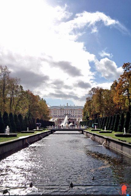 Palais de Peterhof-panorama-Palais-Pierrelegrand