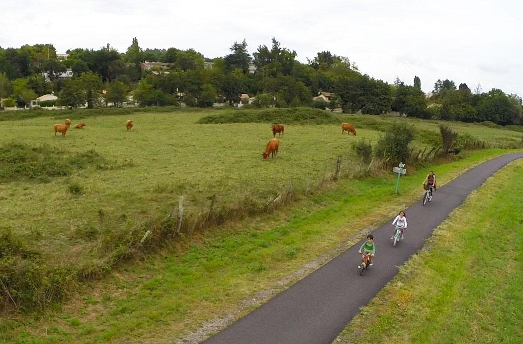 Balade en vélo, la voie verte Roger-Lapébie