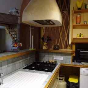 cuisine appartement de vacances côté jardin