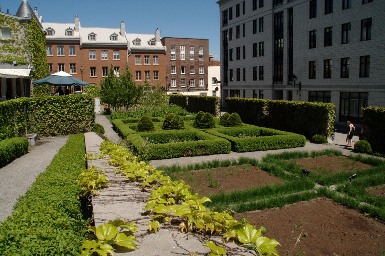 Un retour au XVIIIe siècle et l'occasion de se rappeler la beauté et l'utilité des plantes
