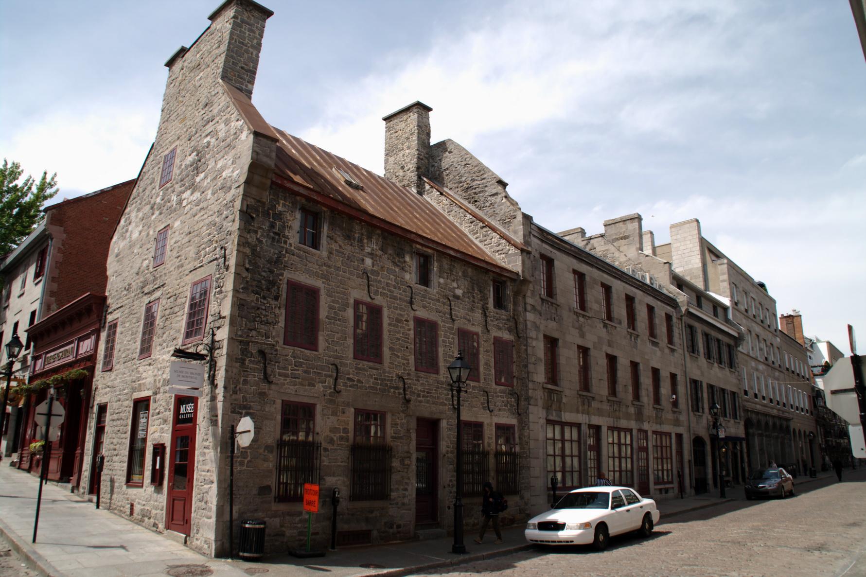 Rue du passé, rue du passant, une partie de l'histoire de Montréal s'y trouve