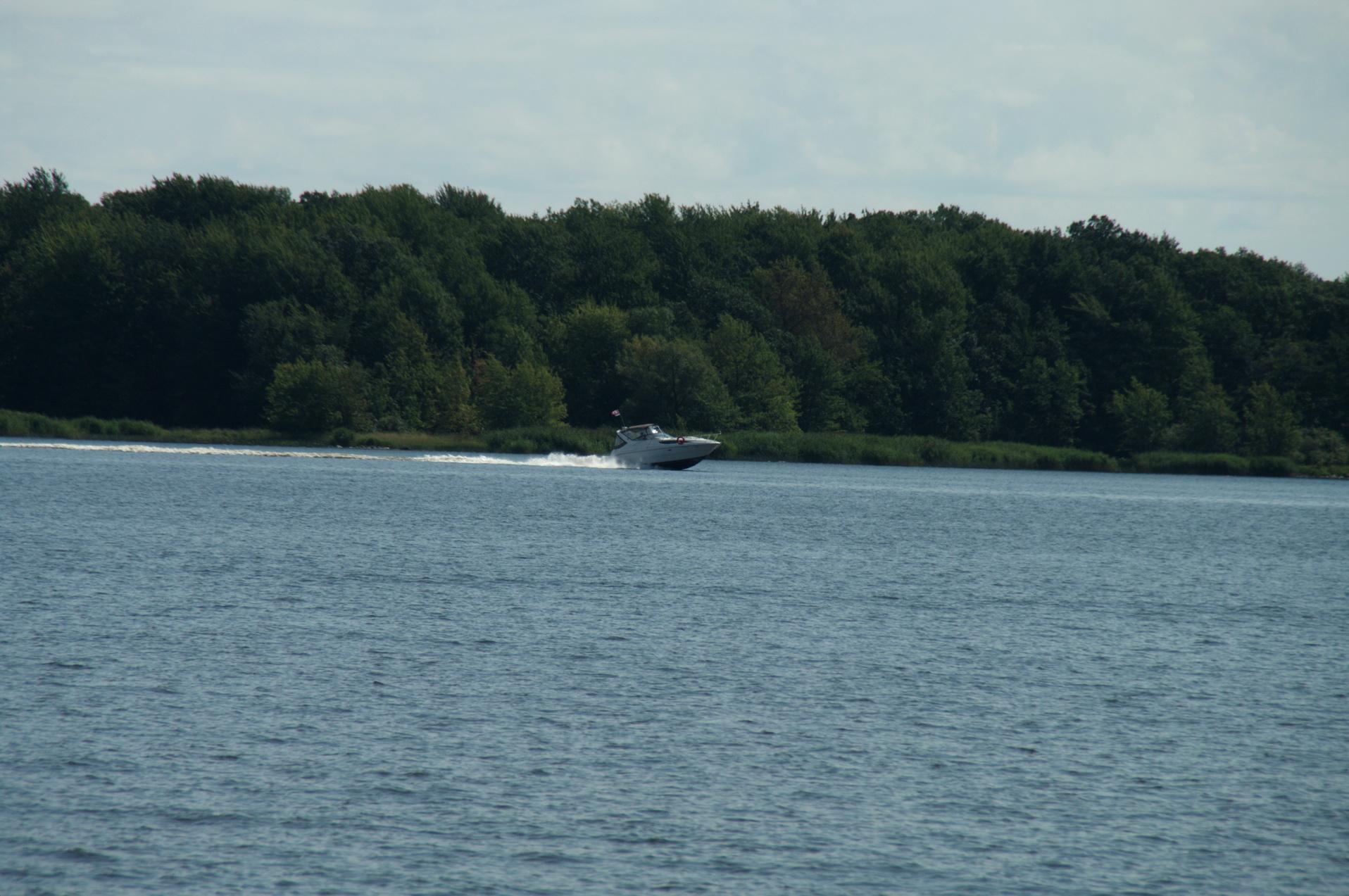 Le Yacht Club de Baie d'Urfé a été fondé en 1959 par Frank Booth et Miles Wisenthal