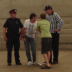 blogelation2006-kennyVspenny-kennystaresatspenny