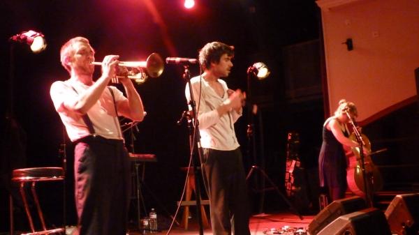 cabadzi en concert dans le cadre du festival Les berniques en Folie à l'Ile d'Yeu