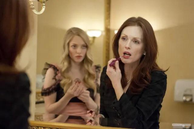 Julianne Moore y Amanda Seyfried en el trailer de Chloe