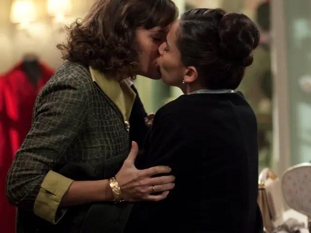 pareja lésbica amar en tiempos revueltos